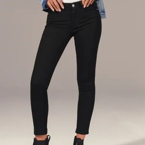 Abercrombie and Fitch Mid Rise Super Skinny Ankle